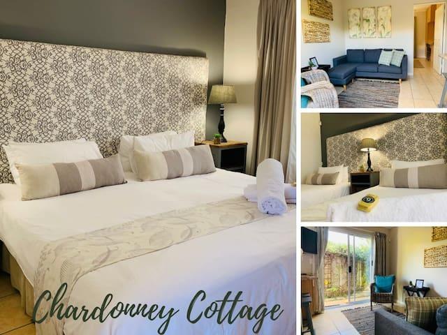 Nine On Irvine Cottages - Chardonnay Cottage