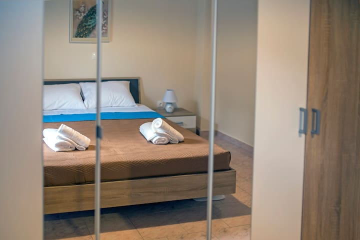 The bedroom with the double bed!