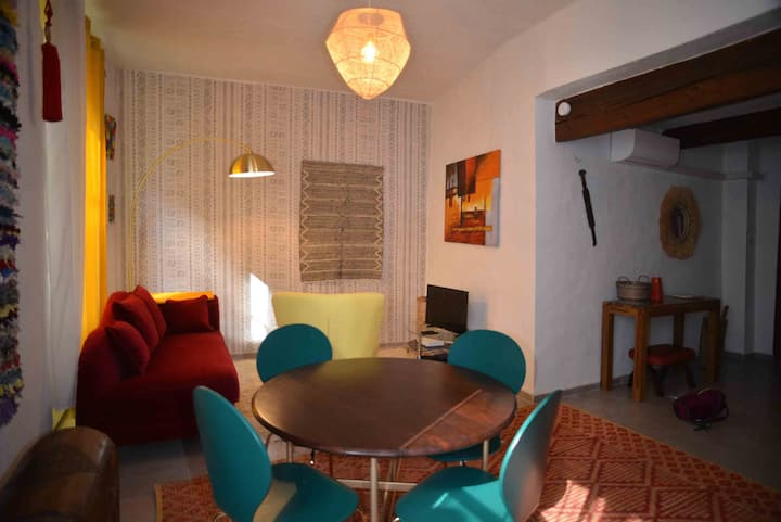 Appartement 2 chambres climatisé au cœur de Nîmes