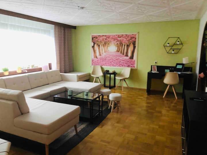 """""""Apartment Emperor Street"""" EG 120 qm mit Sauna"""
