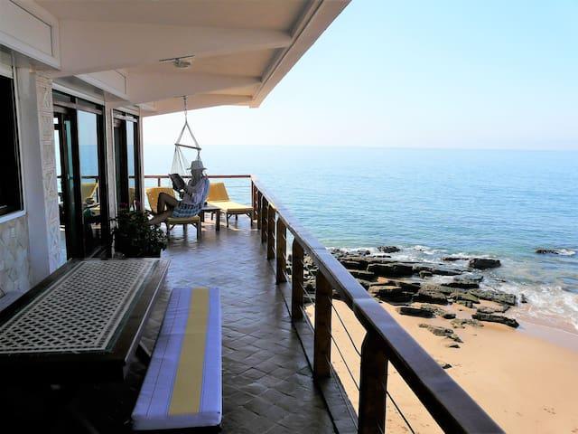 appartement de 3 chambres  sur la plage  130 m²