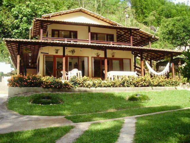 Casa beira rio próximo Sana e Lumiar - Casimiro de Abreu - Cabin