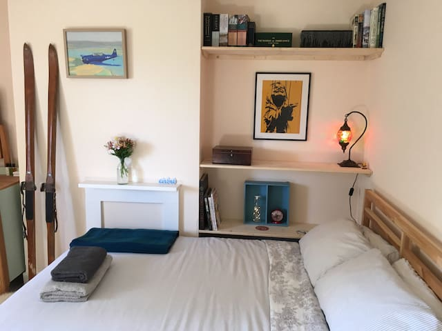 Private double bedroom in SDNP - West Sussex