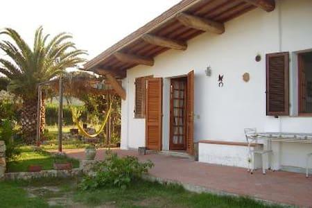 Casa dei Muretti - Marina di Campo