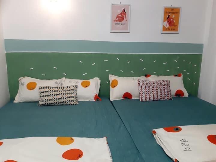 BlaBla Orange 03 - A room for friends, family