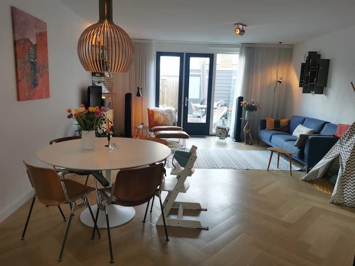 Comfortable Modern House near Amsterdam CityCentre