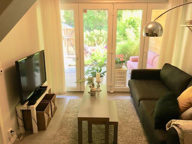 Cozy studio with privat bathroom & terrace