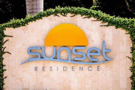 Sunset Residence Modern 2BD apt at Eagle Beach