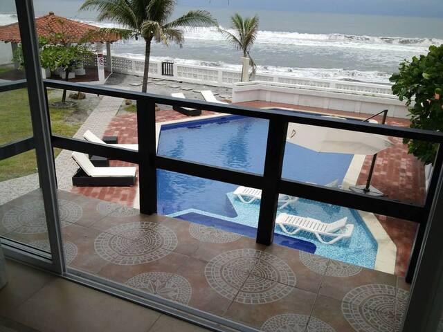 Casa Baoli a pie de Playa en Club Santiago