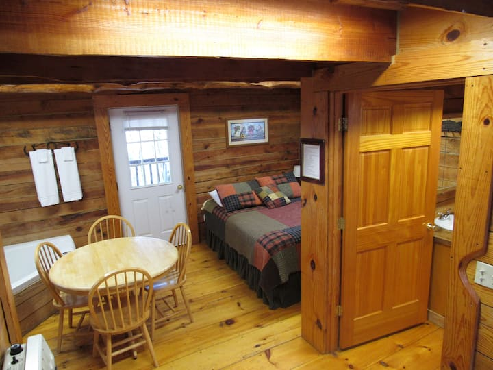 Rustic cabin w/ whirlpool tub and  loft Cabin # 3