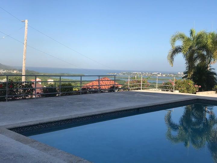 2 bedrooms Panoramic Seaview Condo Villa with Pool