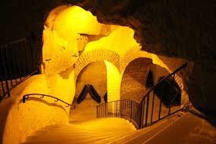 Descente dans les caves Taittinger
