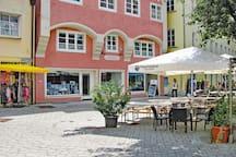 Das Haus Storchenfärbe befindet sich Anfang Fußgängerzone Memmingen