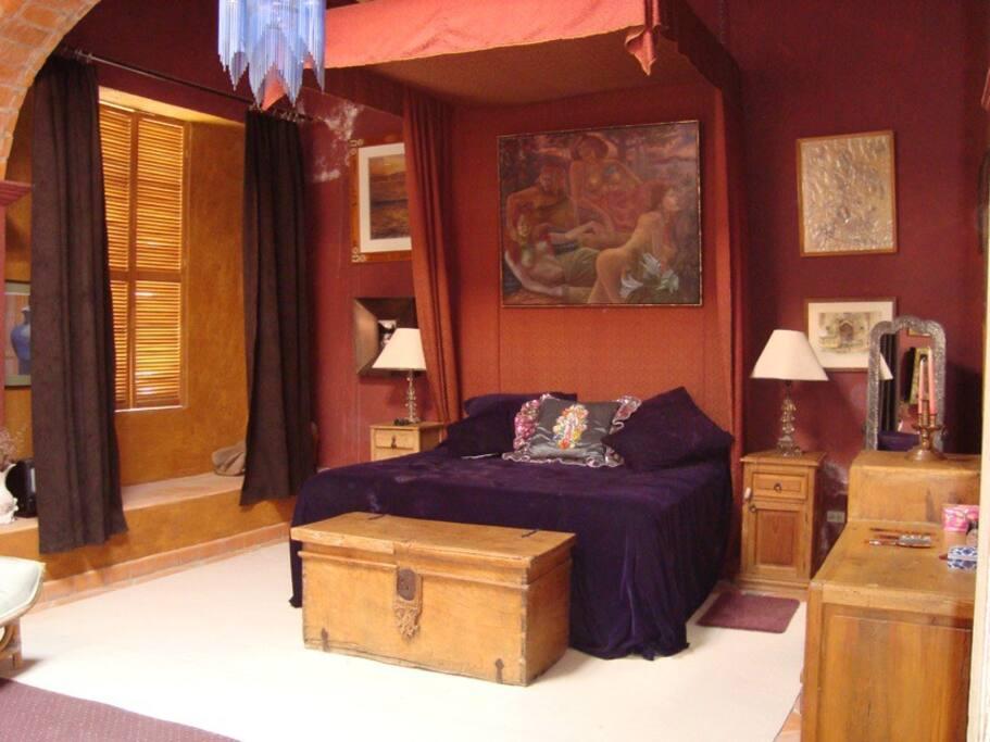 Original 250 year old room 250 USD.