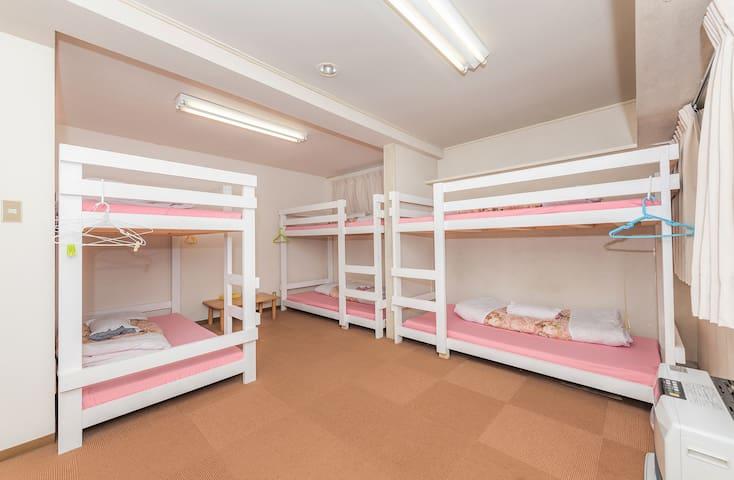 【女性専用】苗場 かぐらスキー場に近い 格安 二段ベッド naeba kagura 6人部屋