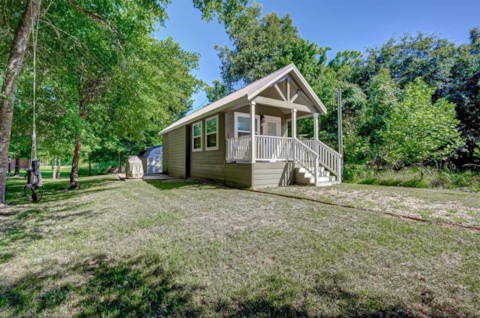 Cute Tiny  Home in The Preserve of Texas
