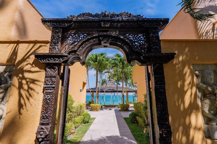 Coral Cove Beachfront Villa - Hotel Managed
