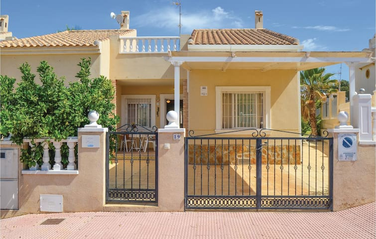 Terraced house with 2 bedrooms on 70 m² in Guardamar del Segura