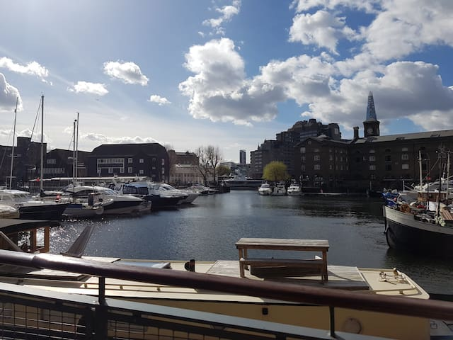 Amazing Location 1 Bed Flat - St Katherine Docks !