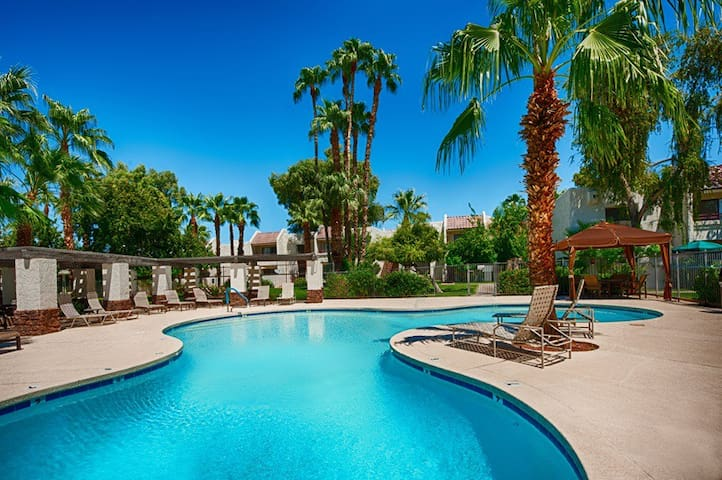 Fully Furnished 1BR/1BA in McCormick Ranch