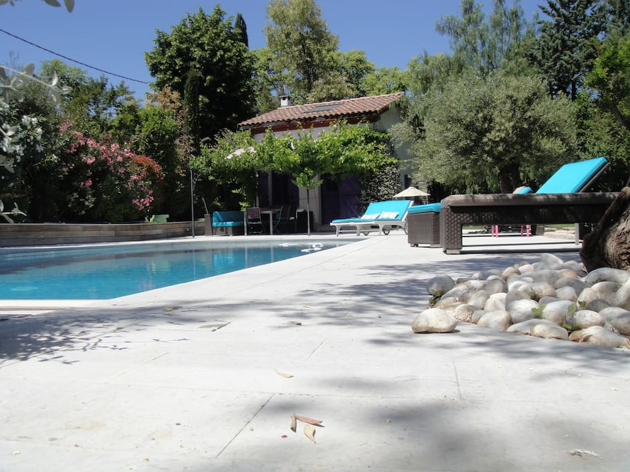 Petite maison de charme avec piscine et jardin g menos for Piscine gemenos