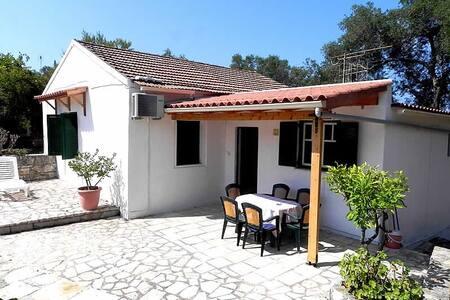 Villa Nina in Lakka Paxos - Lakka - วิลล่า