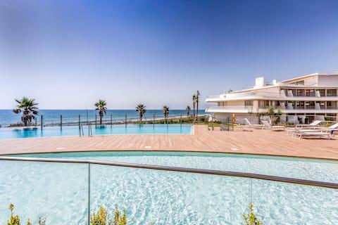 The Edge Estepona - Frontline Luxury Apartment