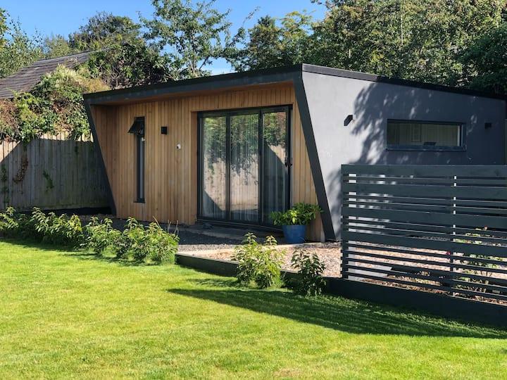 Luxury,Peaceful,Private cabin, village near Oxford