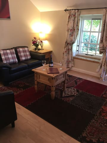 Close to Chatsworth House in Derbyshire - Derbyshire - House