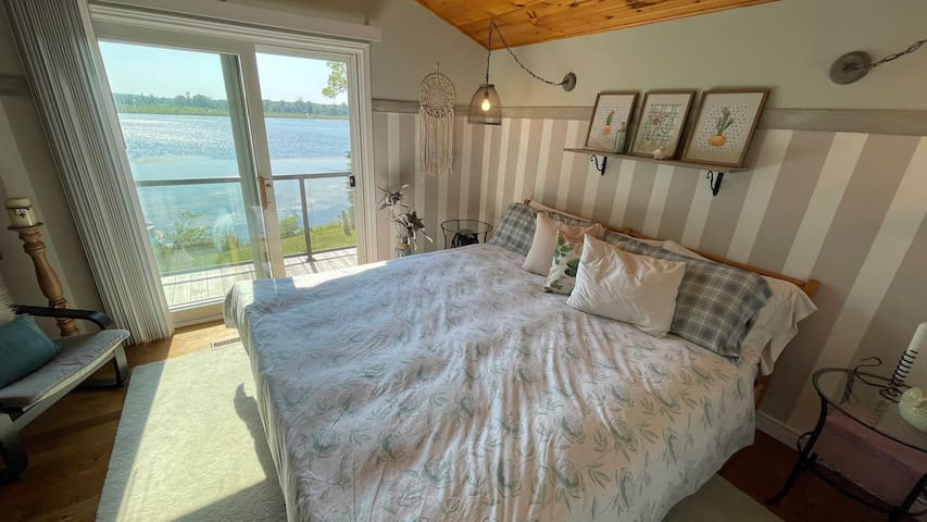 2nd Floor Lakeview Bedroom 2 with King bed - pic 2 - Enjoy the lovely view from the lake