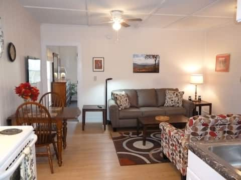 Sweet On Main - Convenient Location!