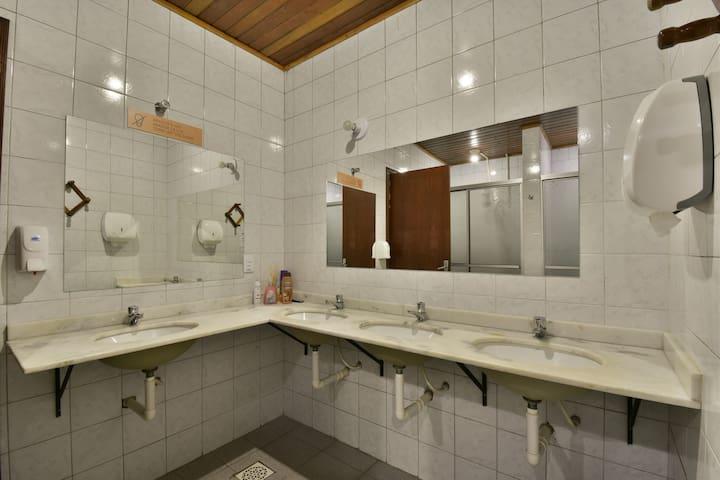 Dormitório em Gramado, 1 quadra da Rua Coberta