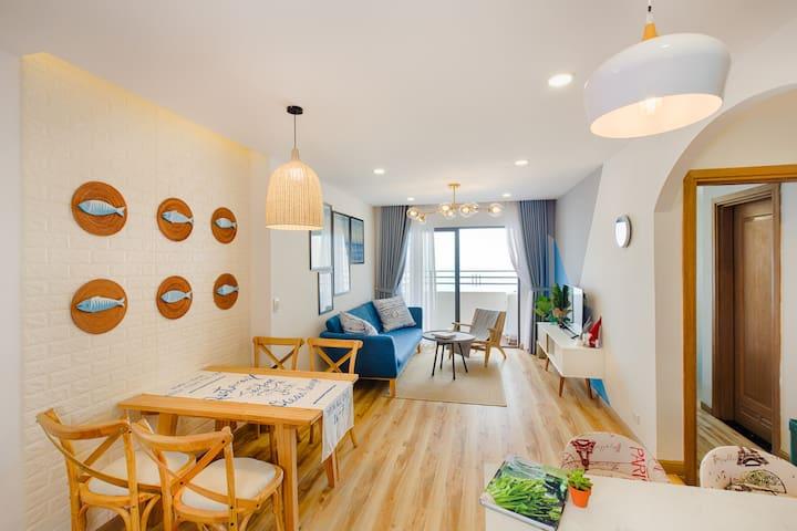 Lim House - 2 BR Sea View Apartment @My Khe Beach