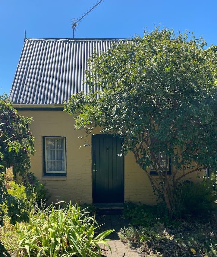 Charming & quaint -central New Norfolk, 20min MONA