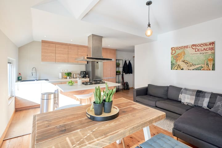 Modern & calm flat, perfect for visiting Brussels!