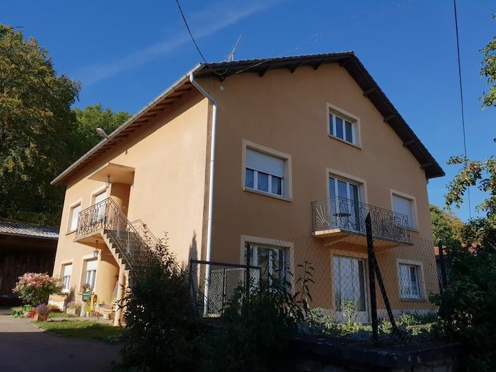 Maison de campagne au calme, proximité de Domrémy