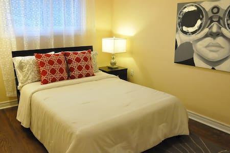 Cozy Private Bedroom on 2nd Floor-2
