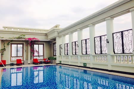 Cozy studio in 5* building + free pool+near center - Ho Chi Minh City