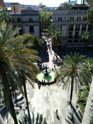 Plz REAL (Square)10  /R3. PENTHOUSE - Barcelona - Bed & Breakfast