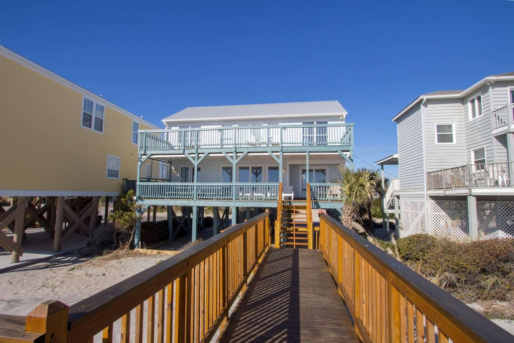 Full width balconies for both floors, all bedrooms have balcony doors.  Newly rebuilt bridge for great beach access