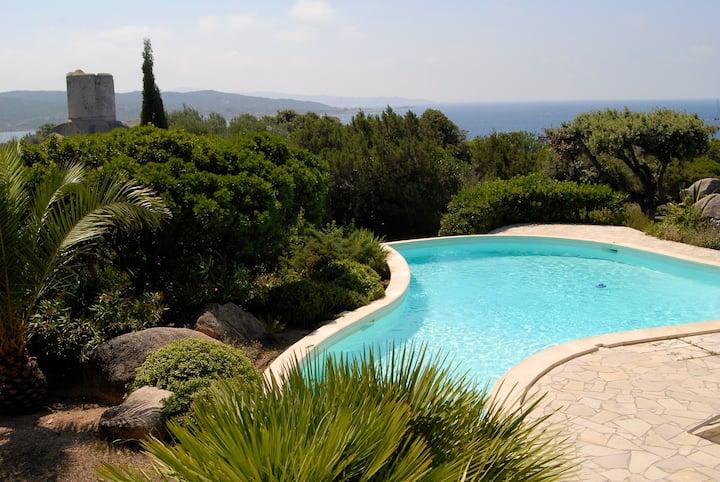 Villa, piscine, jardin paysager, à 150m des plages