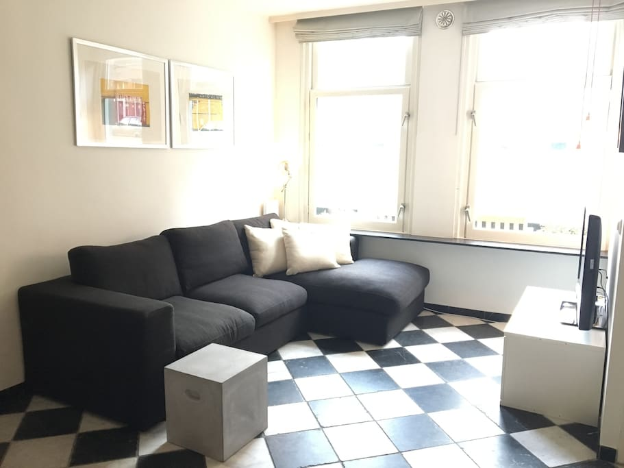 TV area (downstairs)