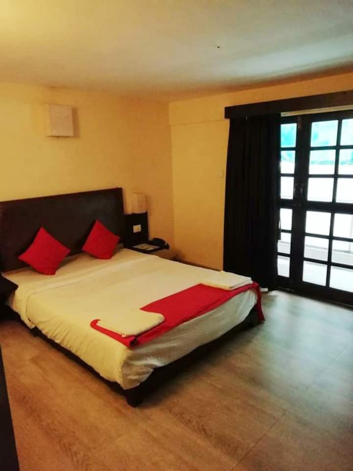 Old Goan Style Hotel Room With Pool-Calangute RDSP