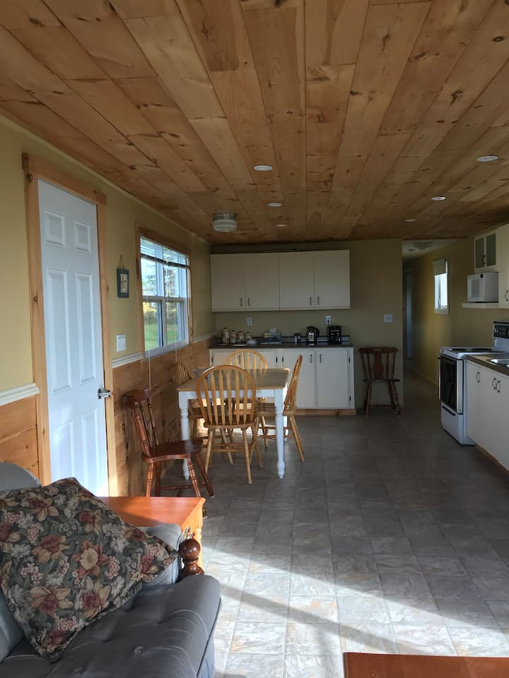 Weekly cottage rental in Maximeville PEI.