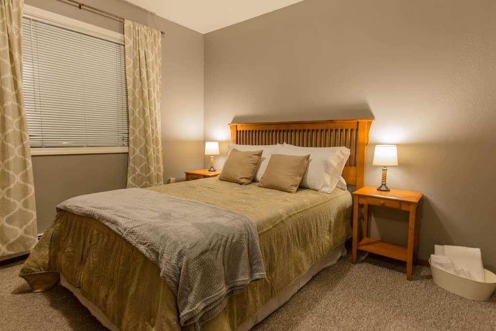 Lambton #3 - Bedroom - Double Bed