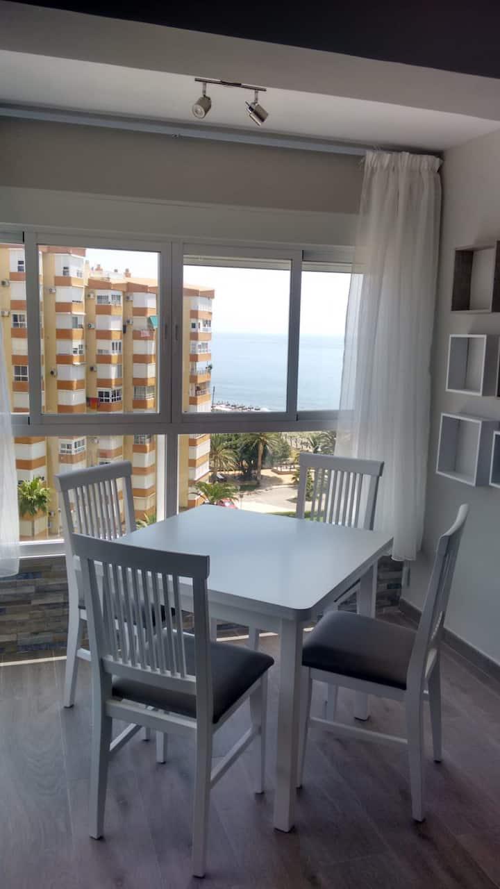 Apartamento vacacional 1º linea de playa