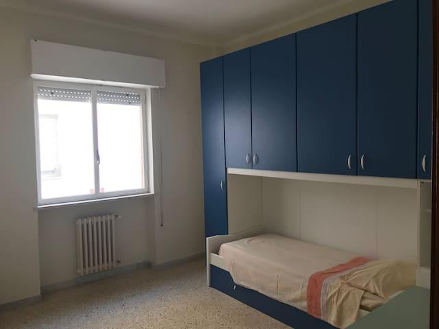 Confortevole camera Brindisi Via Appia