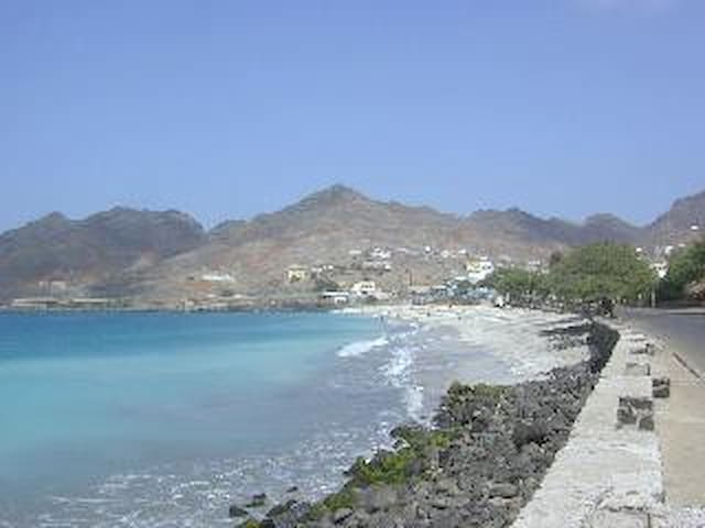 Laginha Beach 15mnts walk. Restaurants, bars, night life...
