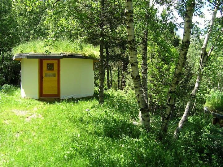"""""""Pic de l'Orri""""-hut in a beautiful natural setting"""