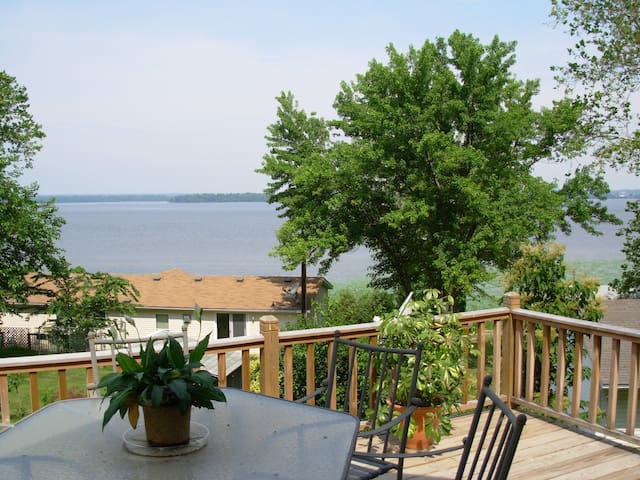 Nauvoo's Riverview Retreat on the Mississippi! - Niota - Casa